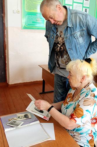 В Старицкой средней школе встретились с дочерью и внуком Героя Советского Союза М.Я.Васильева