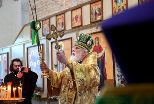 Владыка Виктор: «За 20 лет Волжский Крестный ход стал частью жизни поколения христиан»