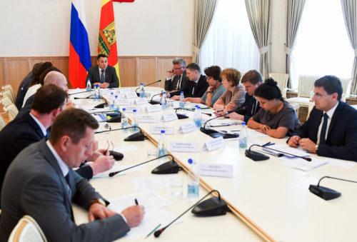 В Тверской области дополнительно направят почти 810 миллионов рублей на повышение зарплат работников бюджетной сферы