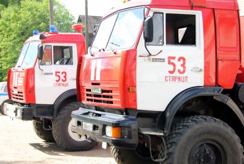 Спасатели МЧС приняли участие в ликвидации последствий ДТП