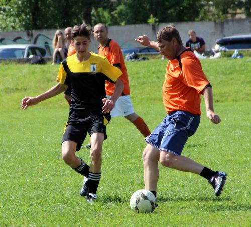 В День физкультурника - на футбол и хоккей!