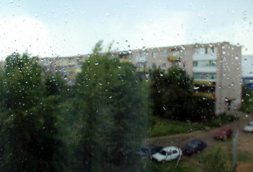 Синоптики вновь предупреждают о ливневом дожде и грозе